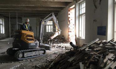 demolare interior si spatii inguste