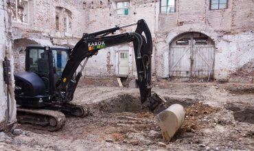 demolare in spatii inguste